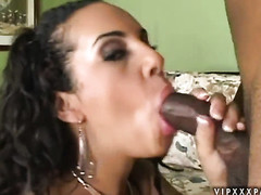 Victoria Allure gives pleasure to herself the way she loves it